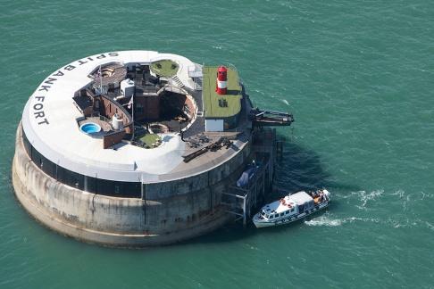 My VIP Life Spitbank Sea Fort Hotel